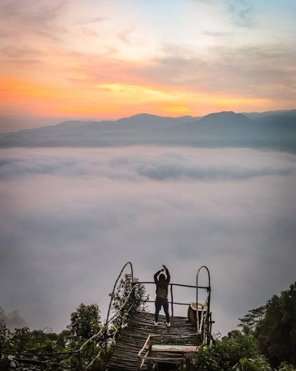 Harga Tiket, Spot dan Lokasi Gunung Luhur Negeri di Atas Awan Banten